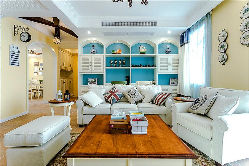 客厅电视背景墙是一个圆弧形的桥洞,中间是海蓝色的硅藻泥.