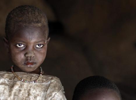 非洲难民的艰苦生活,寡妇和小孩无依无靠!图片