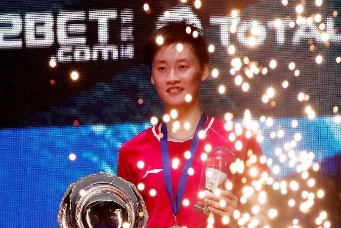 陈雨菲战胜心魔,雅思组合复仇夺冠,国羽三冠耀全英!