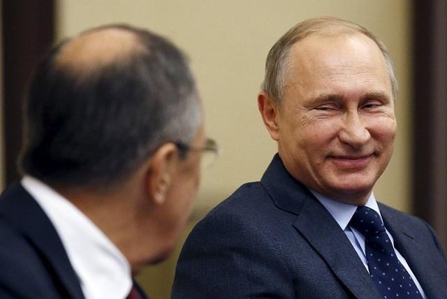 金正恩与特朗普谈判不欢而散,普京:我和你谈!先给你2000吨小麦