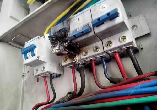 当出现了漏电开关不间断跳闸的时候应该采取的正确措施我们应该知道