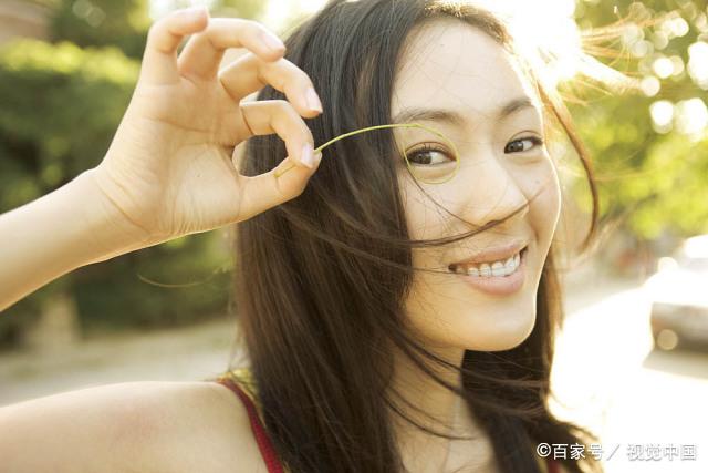 童瑶被打真相_童瑶18岁时被张默打,后嫁入豪门收获幸福婚姻,如今事业迎来转机