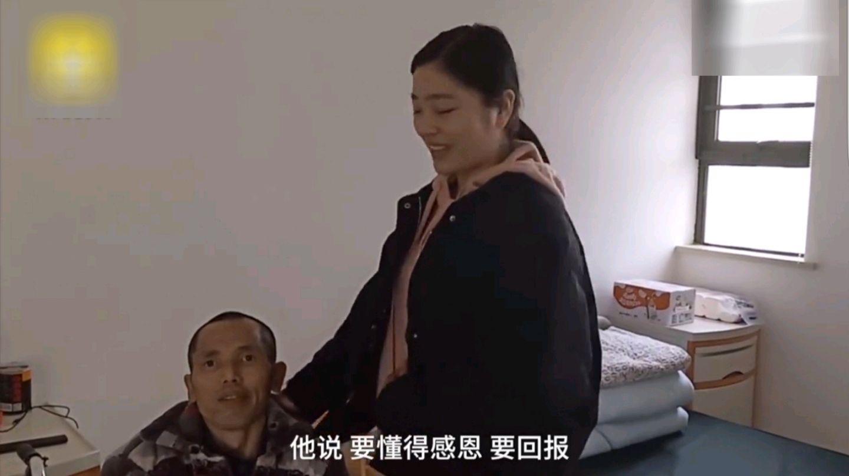 父亲患病母亲出走,大二女孩7岁开始带病父求学:不曾想过放弃