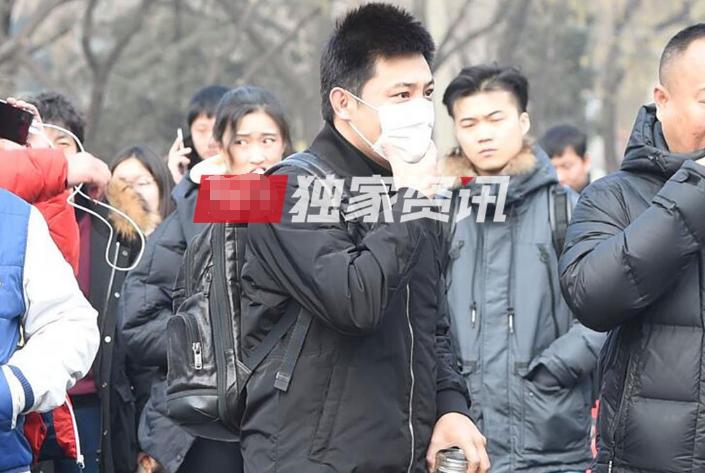 央视春晚二次联排,景甜李易峰潘长江现身,少了董卿的刘谦也来了