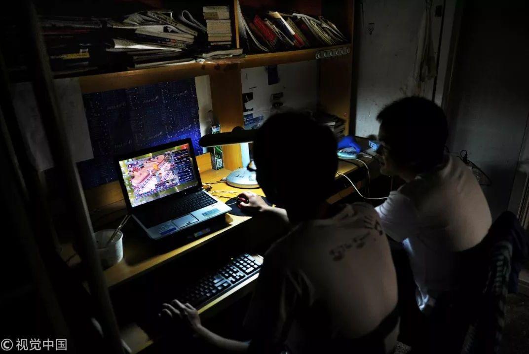 """3亿中国人睡眠障碍:""""90后能活着,就是个奇迹"""""""