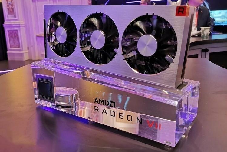 AMD刀法太差!Radeon VII显卡工作娱乐两不误,真香!