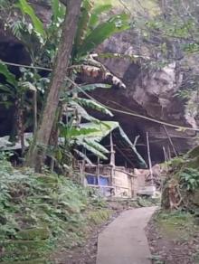 夫妻住岩洞60年被称杨过与小龙女 内景曝光让人大开眼界