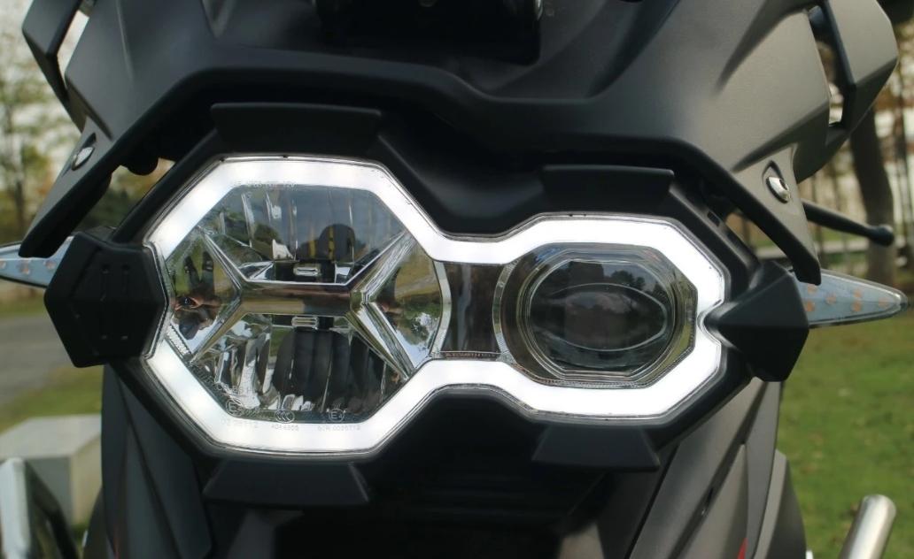 不到3万,试驾赛科龙硬核拉力RX3S:性能出色,堪称拉力标杆