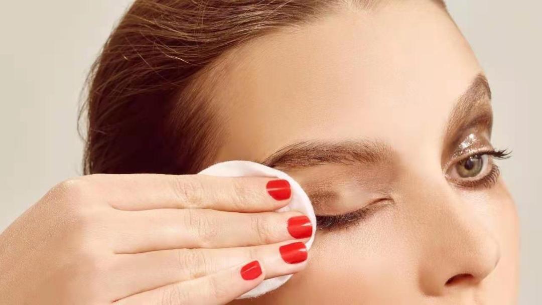 """""""卸妆产品""""消费者最关注:成分、敏感肌、精细化"""