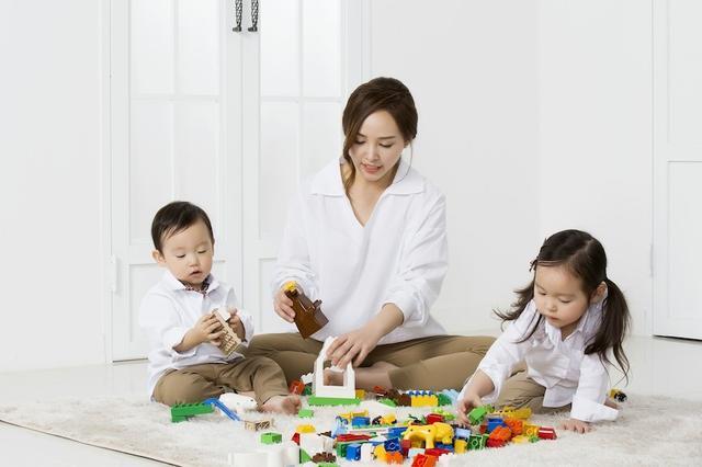 家庭式托育该往哪儿发展?