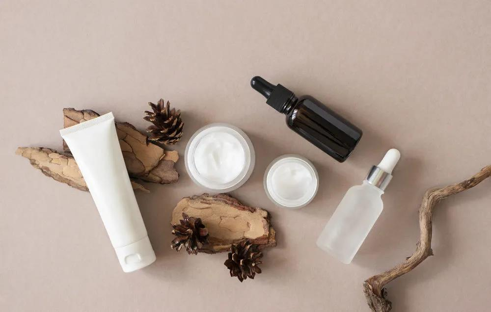 化妆品行业议两会:打造本土高端化妆品品牌