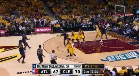 哈尔滨啤酒在NBA赛场上的虚拟广告
