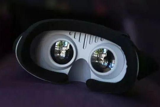 爱奇艺VR的「半条命」在哪里?