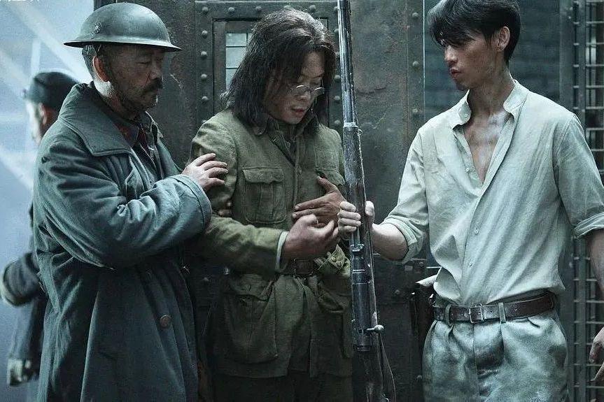 冲击200亿年度票房目标,中国电影市场需要《紧急救援》