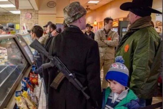 5名持枪悍匪深夜入室抢劫,德州小伙掏出AK47,结果让人震惊!