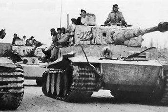 史上规模最大的钢铁对决!两军出动8000辆坦克,该国损失6000辆