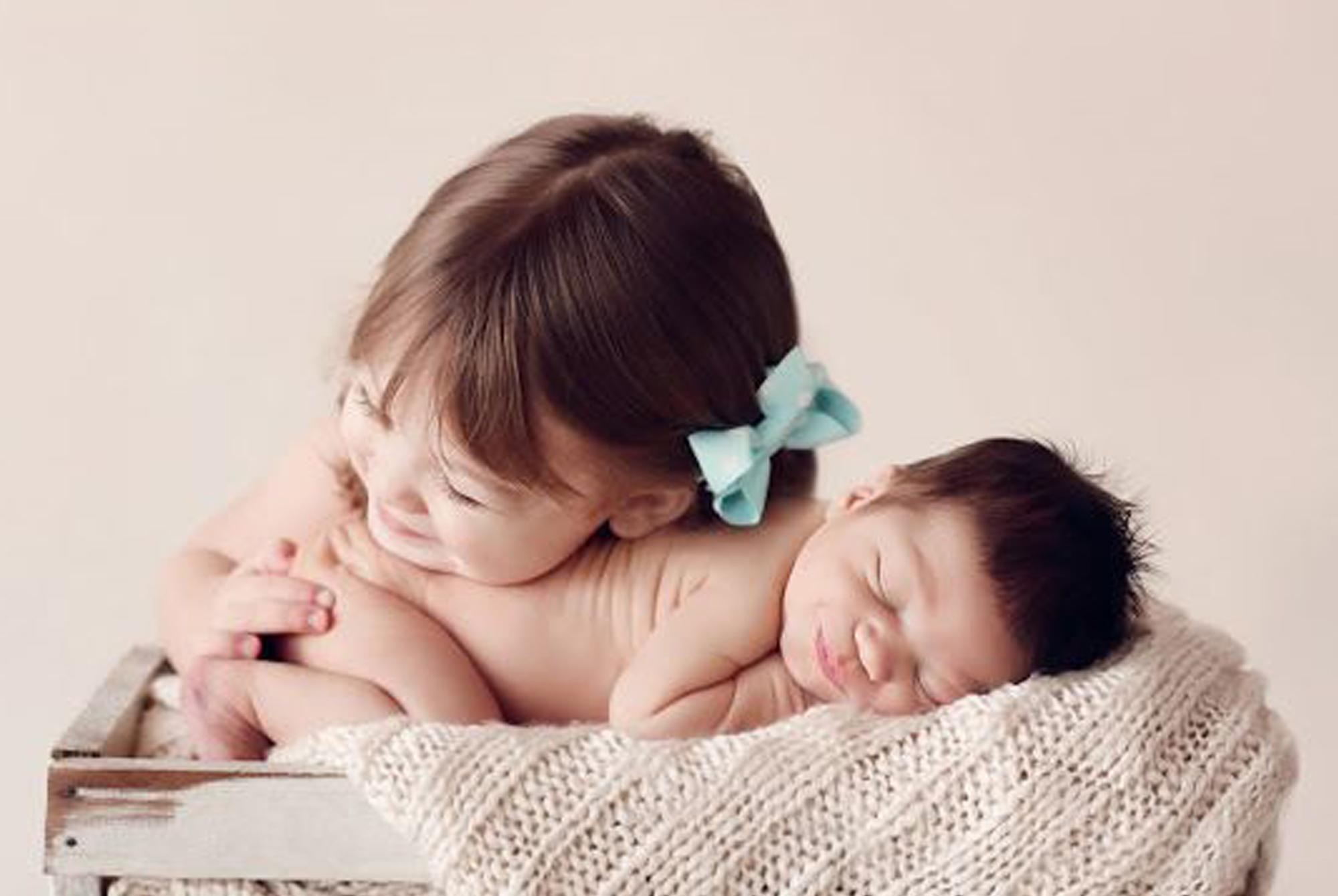孕妈怀上龙凤胎,拍孕期写真留纪念,却引发早产,孕妇任性不起