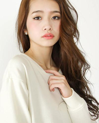 韩式长发烫发发型图片 轻松幻化为长发女神图片