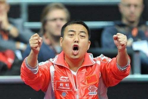 刘国梁做法被乒迷质疑!他打破1不成文惯例,卡公赛才两天已丢1冠