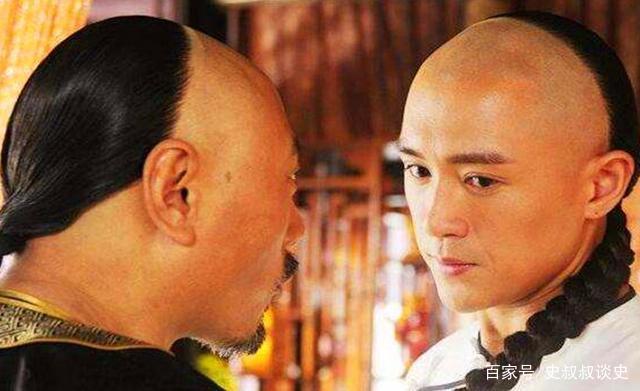 古人把头发看的非常重,剪头发就相当于断头,三国时的曹操就有一个剃发图片