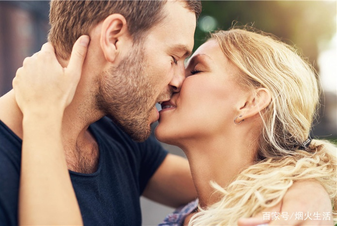 两性相处时,男人注意好这四个小细节,女人对你的好感会飙升