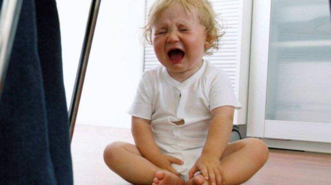 3岁童模被亲妈用脚踹:打骂孩子不是你发泄情绪的出口