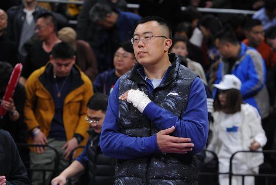 辽宁男篮险胜福建,却暴露致命弱点,球迷担忧:这样走不远