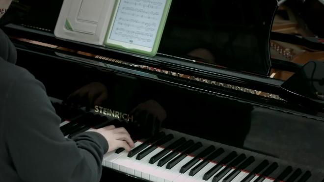 钢琴弹奏《辛德勒的名单》配乐, 温和细腻, 哀而不伤!