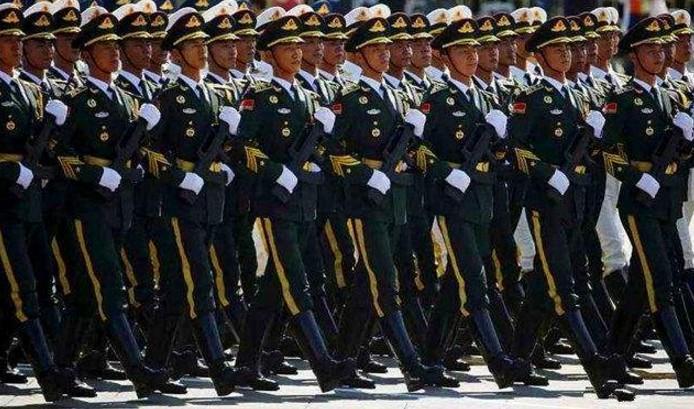 法国阅兵2015_法国阅兵,美国阅兵,再看看中国阅兵!