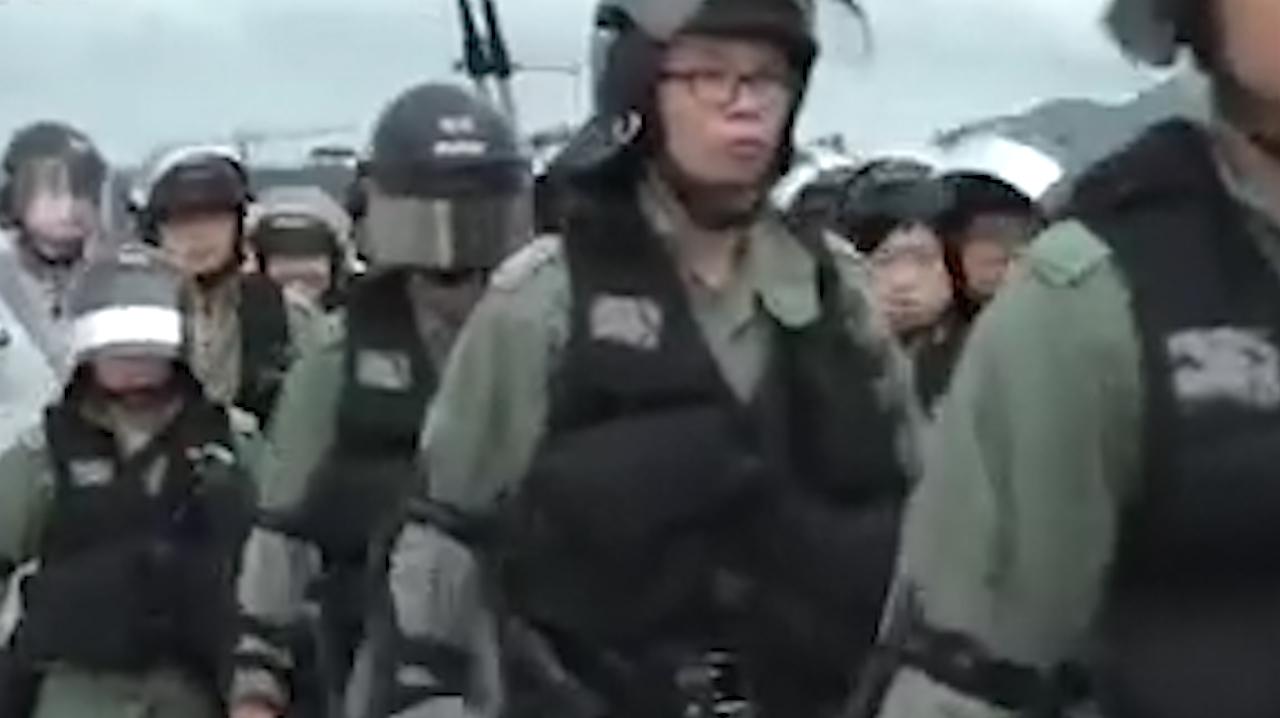 刚刚!香港示威成严重暴乱 首个议案横空出世要让暴徒被绳之以法