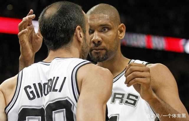 """邓肯拥抱帕克_NBA第一""""摸头狂魔""""邓肯?不!在加内特面前,邓肯只是弟弟"""