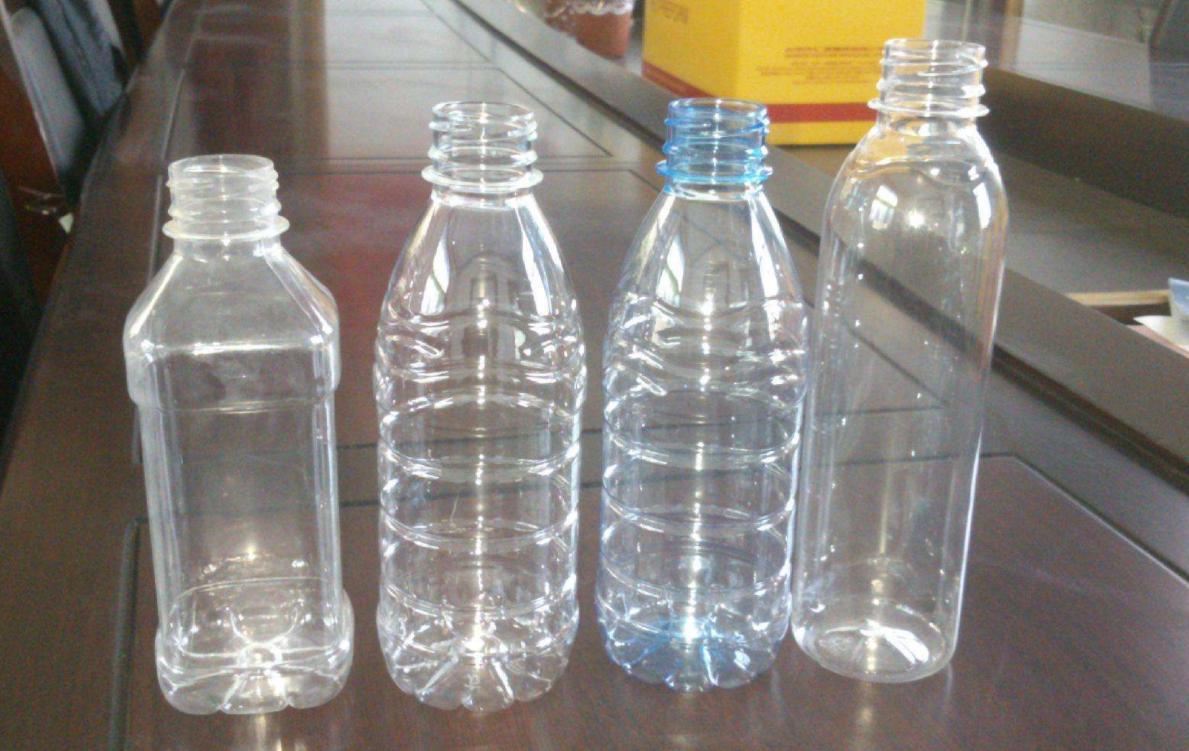 别再傻傻的把矿泉水瓶都扔了,试试做成这些小物件,好看又实用