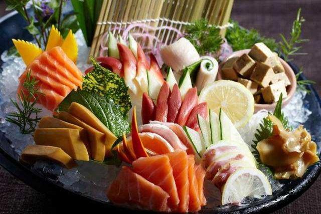 4个美食大国代表菜,日本刺身,韩国泡菜,法国鹅肝,中国:啥?