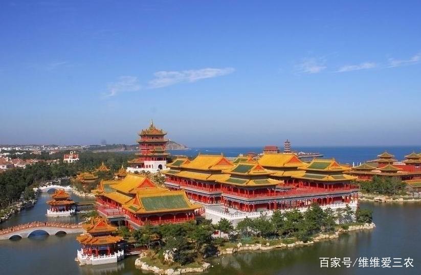三仙山风景区,整个景区文化内涵厚重,气势雄伟,令游览者叹为观止,流连