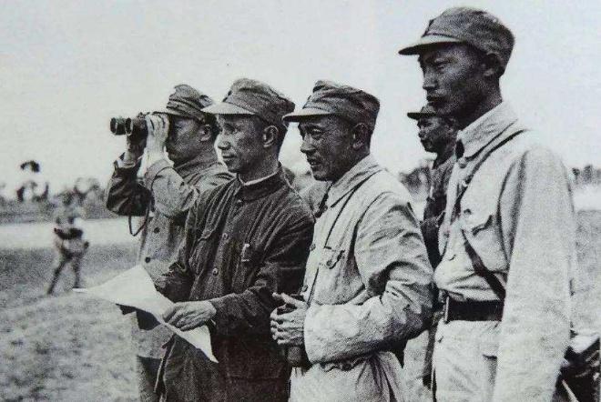 张灵甫牺牲后,粟裕将军下了5字命令,夫人儿子至今感谢他