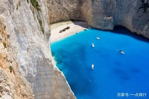 传说中神的诸岛,在希腊扎金索斯岛的另一面一面是陡峭的白色悬崖