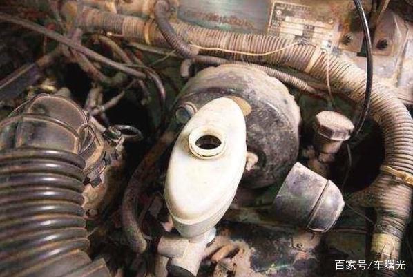"""汽车""""换机油""""就等于保养?这5个零件要是不换,相当于在白花钱"""