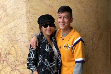 刘嘉玲晒与陈冠希合照!两人互动超甜蜜,陈冠希看上去老了不少