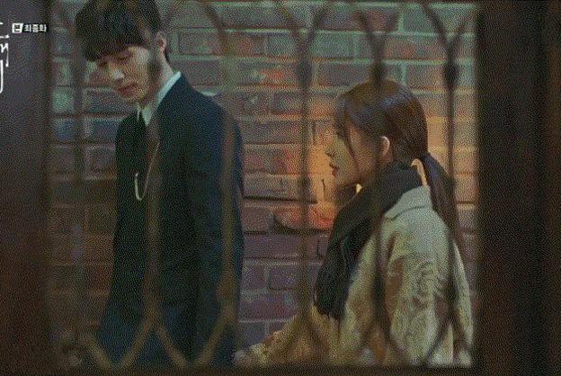 《触及真心》:上一部剧的番外?刘仁娜和李栋旭再续前缘分享甜蜜