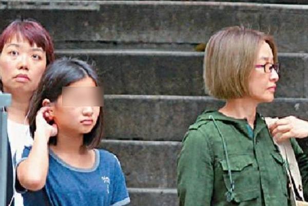 关咏荷陪女逛街面容显憔悴,她用一生赌注的婚姻,值得被祝福!