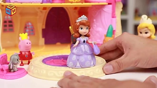 小公主苏菲亚与佩奇旋转舞会