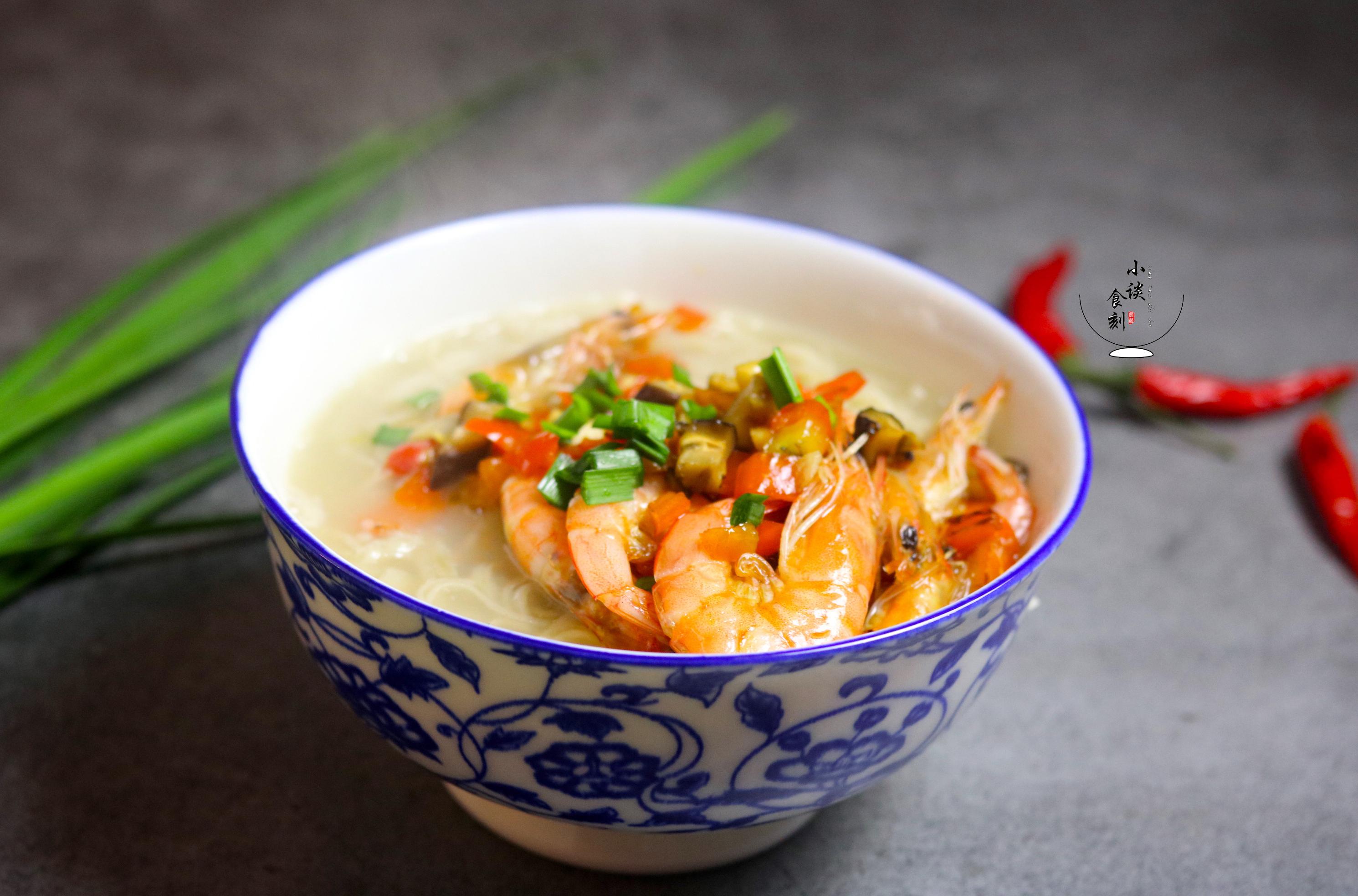 不用久等,早餐就能吃上鲜虾面,我家每周吃5次,比做泡面还简单