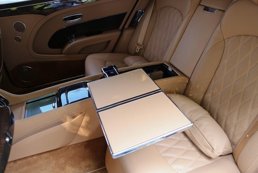 被誉为成功人士标准座驾!5米5车长带513马力,光优惠价就能买7系