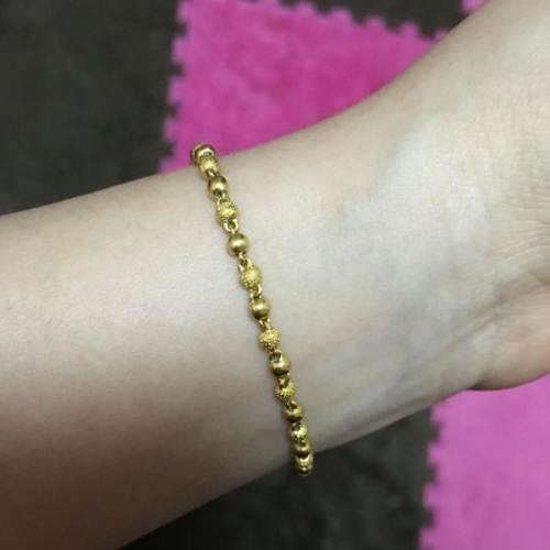 如今一些黄金手链为了款式多样,基本上都会使用到焊接技术,但是这图片