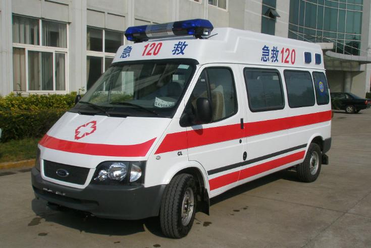 救护车进高校救人被拦收停车费?回应:收费员没有注意是救护车
