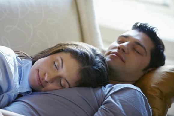 """2种睡姿,可能会""""出卖""""你的健康状态,到了中年尽量要留意一下"""