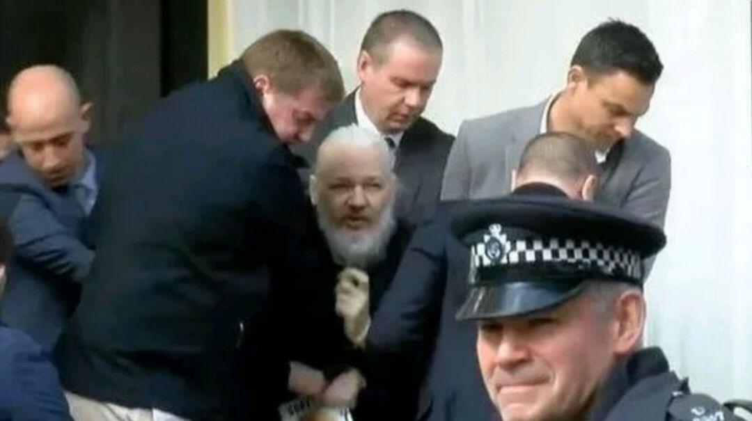 英国朋友谈阿桑奇在伦敦被捕