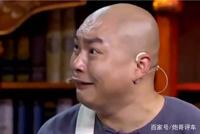 他是赵本山的爱徒,未成名时开汉兰达,成名后比赵本山座驾霸气!