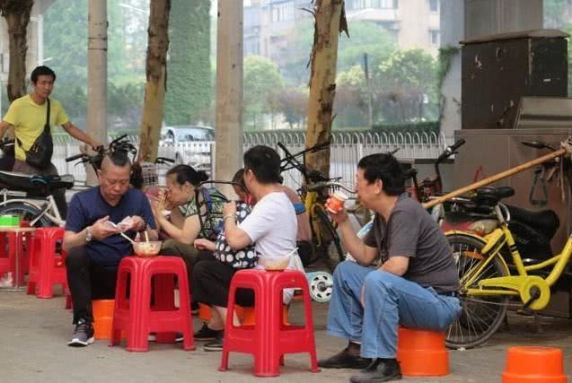 最把早餐当回事的城市,但当地人从来不做,每天早饭都是买的吃