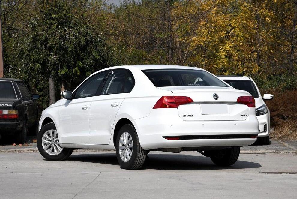 大众新车型上市,月卖15243辆,两代同堂,换装EA211,仅9.8万起